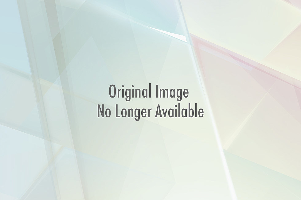 General Lee From Dukes of Hazzard Losing Its Confederate Flag